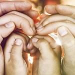 handen over elkaar